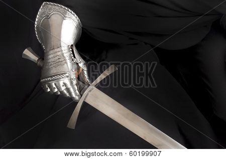 Knight's Metal Glove