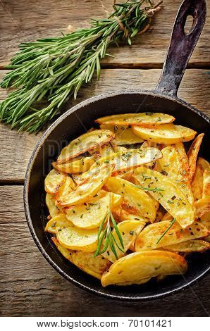 Potatoes Baked With Rosemary