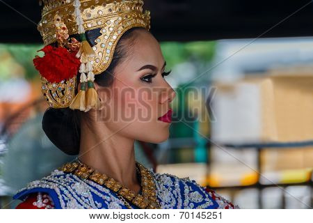 Thai Traditional Dance at Erawan Shrine in Bangkok