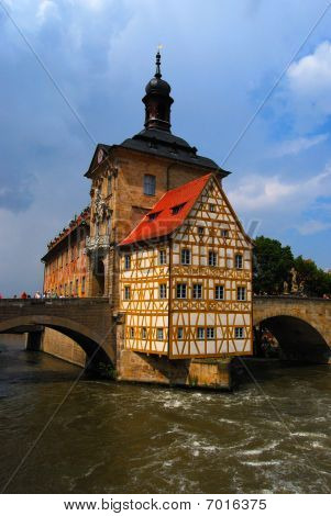 Ayuntamiento y Regnitz río Bamberg Baviera