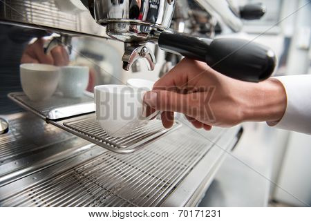 Barista and coffee machine