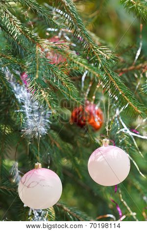 Pink Balls And Red Ball House Christmas Decoration