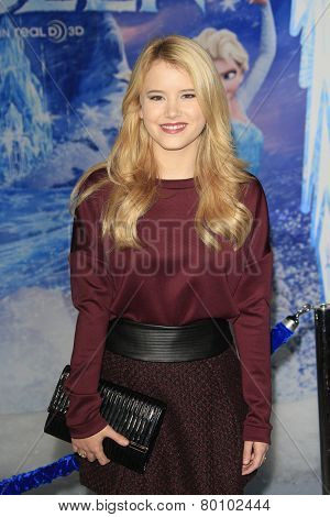 LOS ANGELES - NOV 19: Taylor Spreitler at the premiere of Walt Disney Animation Studios' 'Frozen' at the El Capitan Theater on November 19, 2013 in Los Angeles, CA