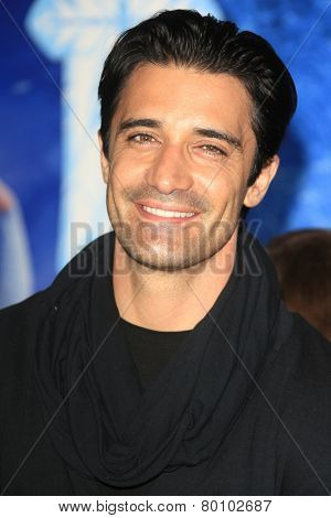 LOS ANGELES - NOV 19: Gilles Marini at the premiere of Walt Disney Animation Studios' 'Frozen' at the El Capitan Theater on November 19, 2013 in Los Angeles, CA