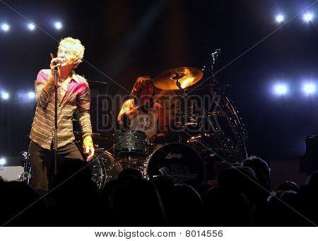 Kevin Cronin & Bryan Hitt no palco
