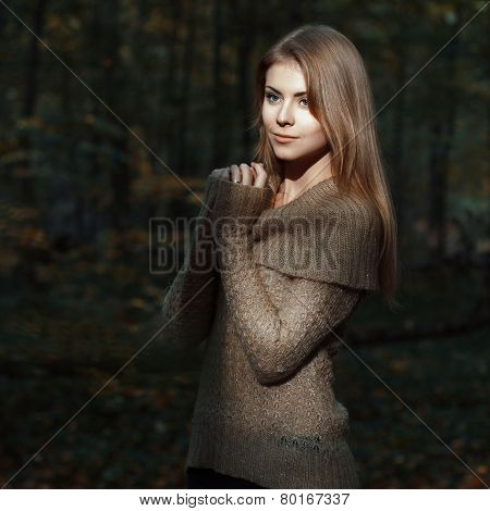 ?ute Girl In The Woods. Autumn