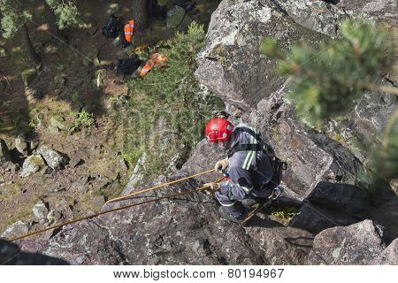 Rescue in rocky terrain near the castle RADYNE.