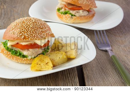 Cheeseburger With Turkey And Potato wedges