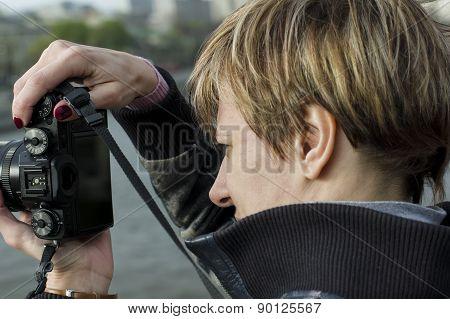 Focusing Photo Camera