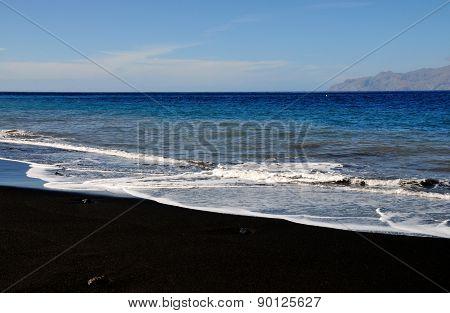Waves Romance Islands