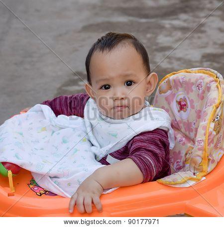 Baby feeding food