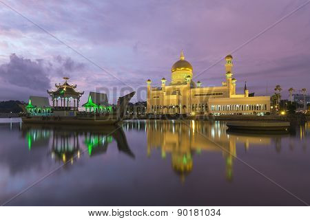 Sultan Omar Ali Saifuddien Mosque In Brunei