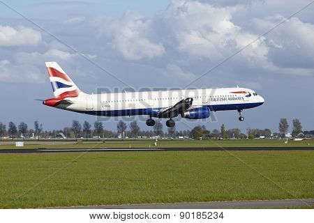 Amsterdam Airport Schiphol - Airbus A321 Of British Airways Lands