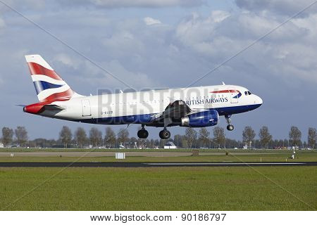 Amsterdam Airport Schiphol - Airbus A319 Of British Airways Lands