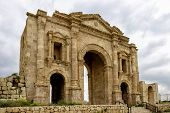 foto of emperor  - The Arch of Hadrian in Jaresh - JPG