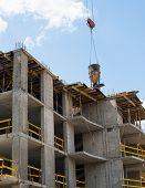 pic of crane hook  - Concrete skip on the tower crane - JPG