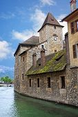 picture of annecy  - buildings by the canal in Annecy - JPG
