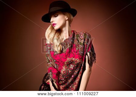 Fashion beauty woman in stylish hat shawl, autumn
