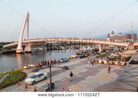 New Taipei City, Taiwan - Circa August 2015: Lover Bridge Of Tamsui In New Taipei City, Taiwan At  S