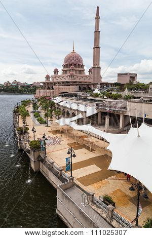 Putrajaya, Malaysia - Circa September 2015: Putra Mosque And Promenade In Putrajaya