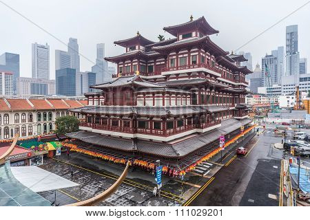 Singapore, Singapore - Circa September 2015: Buddha Tooth Relic Temple And Museum In Chinatown,   Si