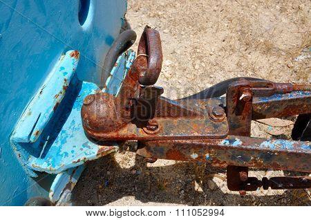 Rusty Detail: Ball Pin Coupling