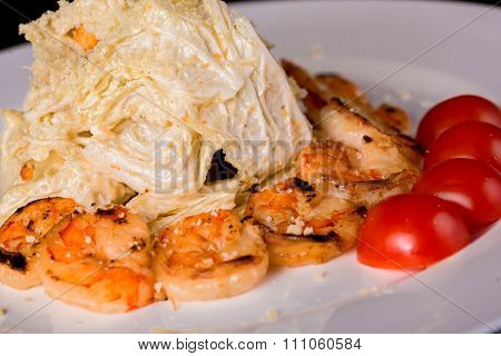 Salad with chinese cabbage and shrimps