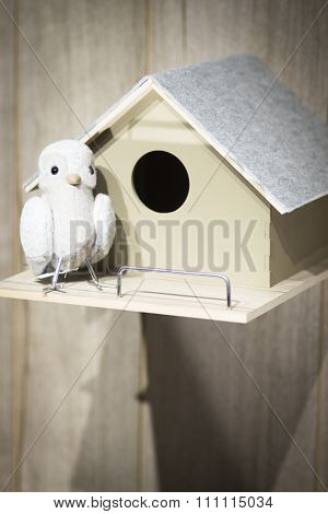 Toy Bird Dove Pidgeon Nest House