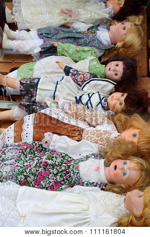 dolls vintage flea market