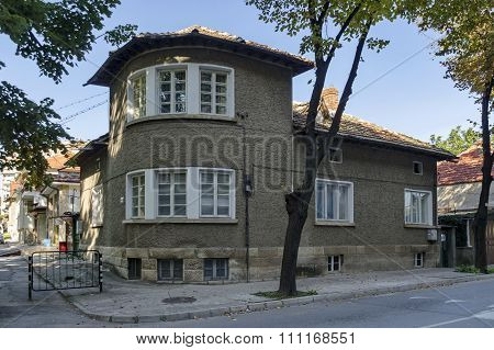 Razgrad town, street and house. Old corner house