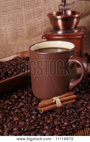 heißen Kaffee im Kaffeehaus