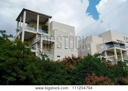 Modern Design Luxurious  Apartments Condominium