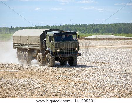 Military four-axis car
