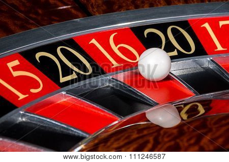 2016 New Year Casino Roulette Wheel Red Sector Sixteen 16