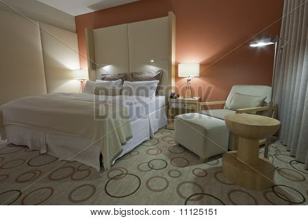 Room With King-size Bed Bedside Tables  And Lamps