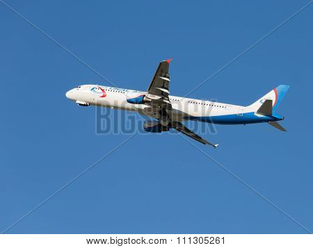 Airbus A321 Ural Airlines