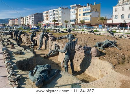 Memorial sculptures in Turkey