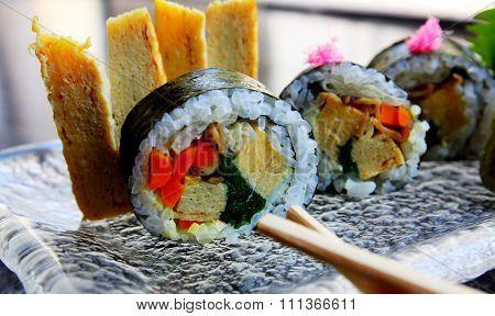 Sashmi Or Sushi