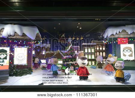 Charlie Brown Christmas Window Display At Macy's Nyc