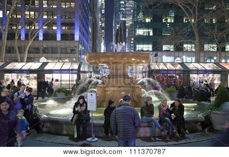 Fountain In Bryant Park Nyc