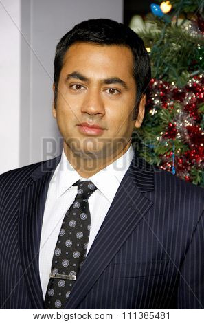 LOS ANGELES, USA - NOVEMBER 2: Kal Penn at the Los Angeles Premiere of