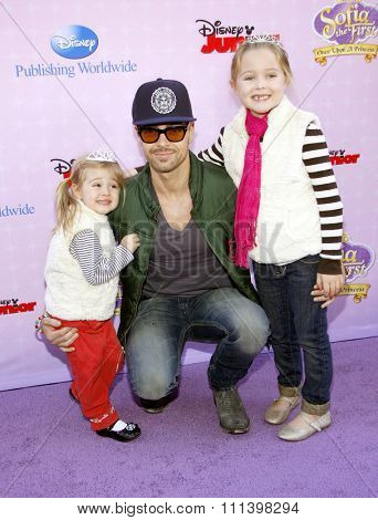 Joey Lawrence at the Los Angeles premiere of