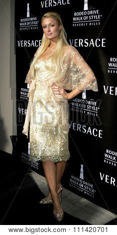 Paris Hilton attends the Rodeo Drive Walk Of Style Award honoring Gianni and Donatella Versace held at the Beverly Hills City Hall in Beverly Hills, California on February 8, 2007.