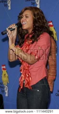 November 15, 2005 - Hollywood - Beyonce Knowles at the 2005 World Children's Day at The Los Angeles Ronald McDonald House Ronald McDonald House in Hollywood, United States.