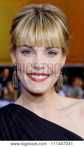 30/04/2008 - Hollywood - Leslie Bibb arrives to the Los Angeles Premiere of