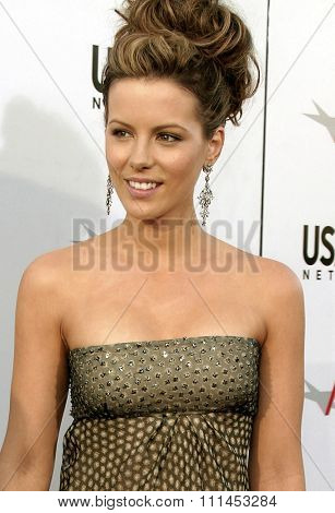 10 June 2004 - Hollywood, USA - Kate Beckinsale. 32nd AFI Life Achievement Award: A Tribute to Meryl Streep at the Kodak Theatre, Hollywood & Highland.