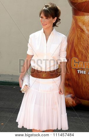 Jennifer Love Hewitt at the Los Angeles premiere of