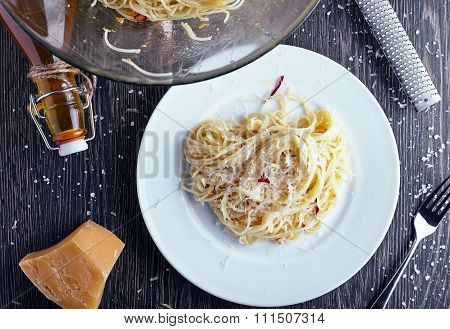 Spaghetti with garlic oil and chilli