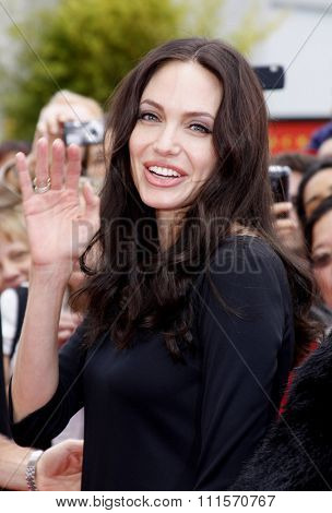 HOLLYWOOD, CA - NOVEMBER 09, 2008: Angelina Jolie at the Los Angeles premiere of 'Secrets of the Furious Five' held at the Grauman's Chinese Theater in Hollywood, USA on November 9, 2008.