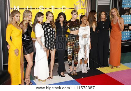 Gigi Hadid, Martha Hunt, Hailee Steinfeld, Cara Delevingne, Selena Gomez, Taylor Swift, Serayah, Mariska Hargitay, Lily Aldridge and Karlie Kloss at the 2015 MTV Video Music Awards on August 30, 2015.